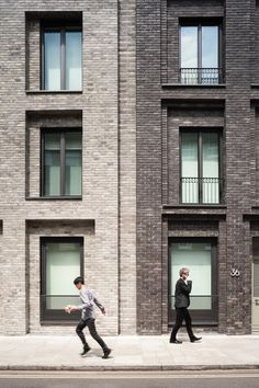 DSDHA have worked with Derwent London to deliver this discreet yet alluring brick building that brings delight to its surroundings while engaging in an activ...