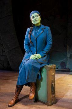 Wicked the musical in London. Louise Dearman as Elphaba Broadway Wicked, Wicked Musical, Broadway Theatre, Wicked Witch, Musical Theatre, Elphaba Costume, Elphaba And Glinda, Wicked Costumes, Theatre Costumes