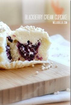 Blackberry Cream Cupcakes