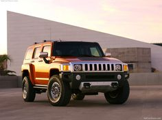 Florida lawmaker blaming the President for his Hummer's bad gas mileage. He should have gone for a turbo Ford Edge. Hummer H3, Hummer H1 Alpha, Friends With Benefits, Hot Cars, Hot Wheels, Obama, Monster Trucks, Florida, Vehicles