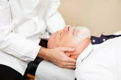 Tratamento de Quiropraxia eficaz para dor no pescoço em Idosos, a cervicalgia.