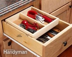 Organization Tips for Your Kitchen Office Drawer Organization, Diy Drawer Organizer, Bathroom Organization, Organization Ideas, Kitchen Organizers, Drawer Dividers, Simple Kitchen Cabinets, Kitchen Cabinet Drawers, Kitchen Tips
