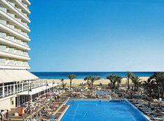 Ein traumhaftes Hotel mit tollem Pool - nur das Meer ist noch schöner! Mallorca Reisen zahlen sich einfach aus!