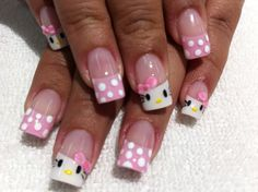 Uñas hello kitty/lunares