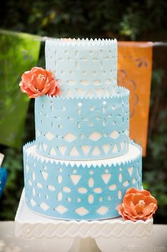 Pretty Blue Cake with orange Rose Sugarflowers | CaljavaOnline.com