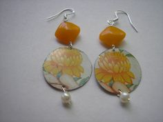 Lovely yellow flower vintage tea tin earrings by ShopSnapdragon