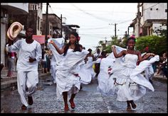 The African Diaspora in El Chocó Chocó is a department of Colombia known for its large Afro-Colombian population. It is in the west of the country, and is the only Colombian department to have coastlines on both the Pacific Ocean and the Atlantic Ocean. It also has all of Colombia's border with Panama. Its capital is Quibdó.