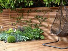 fence privacy ideas horizontal fence panels modern garden fence design ideas exterior design 1 privacy fence ideas for front yard Modern Fence, Patio Design, Wooden Patios, Sloped Yard, Modern Fence Design, Modern Garden, Modern Garden Design, Classic Garden Design, Patio Layout