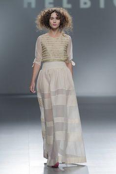 Francia y China, inspiran la colección primavera verano de la diseñadora catalán Teresa Helbig en la Mercedes-Benz Fashion Week Madrid.