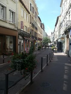 St Etienne, Saints, Spaces