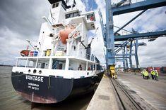 Centre d'actualités de l'ONU - L'OIT se réjouit de l'entrée en vigueur prochaine de la Convention du travail maritime