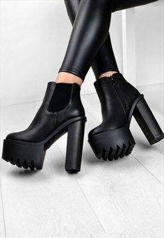 7d19b18ed22 23 mejores imágenes de Women s Boots    Platform boots (Asos ...