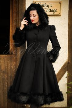 Elvira Coat in Black BunnyBunny Kleider Vintage Inspired Fashion, Quirky Fashion, 1950s Fashion, Vintage Fashion, Vintage Tops, Mode D'inspiration Vintage, Vintage Style, 1950s Outfits, Vintage Outfits