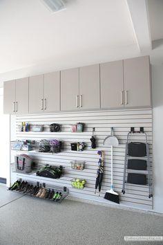 Garage Wall Organizer, Garage Wall Shelving, Garage Organisation, Diy Garage Storage, Garage Walls, Home Organization, Organized Garage, Garage Storage Solutions, Organizing