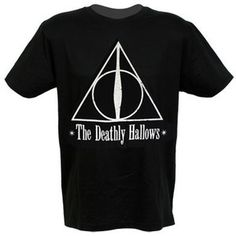Celebrities who wear, use, or own Harry Potter Deathly Hallows Crest Offical T-shirt. Also discover the movies, TV shows, and events associated with Harry Potter Deathly Hallows Crest Offical T-shirt. Divergent Outfits, Hunger Games Outfits, Harry Potter Outfits, Harry Potter Gifts, Fandom Outfits, Harry Potter Deathly Hallows, Star Wars Outfits, Types Of Fashion Styles, Tee Shirts