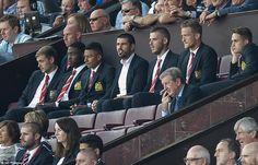 (From left) James Wilson, Tyler Blackett,Jesse Lingard, Victor Valdes, De Gea,Anders Lindegaard and Adnan Januzaj look on