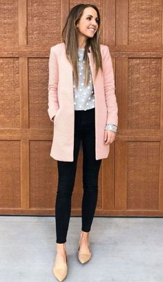 A Cute Pink Cardigan For Women Business Outfit In Fall Casual Work Attire, Stylish Work Outfits, Business Casual Attire, Professional Attire, Winter Outfits For Work, Business Professional, Winter Office Outfit, Work Attire Women, Outfit Winter