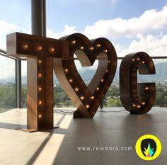 T corazon G iluminadas de día para boda en Cintermex www.facebook.com/relumbra