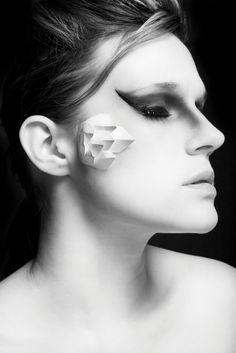 Paper on the cheekbone
