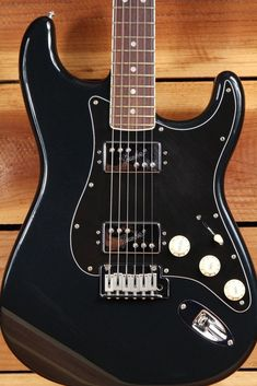 FENDER CLASSIC PLAYER HH STRATOCASTER Rare 60s Thick Neck 70s Matched Head 0746