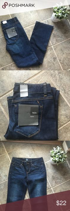 """NWT Mossimo Supply Co. Dark Wash Bootcut Jeans 2R New with tags! Mossimo Supply Co. Dark Wash Bootcut Jeans. Fit 4. Size Two Regular. Great condition, brand new! Has the letters PC written in, but should come out in the wash. If not, it doesn't affect functionality at all!  Waist: 30"""" Inseam: 32""""  Smoke free home. Mossimo Supply Co. Jeans Boot Cut"""