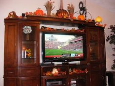 Festive season/holiday decor for top of entertainment ...