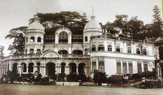 The mansion of shipping magnate Teo Hoo Lai and thereafter Far Eastern Film Services Ltd, 13 Dhoby Ghaut,1928.  The building was later torn down to make way for the Cathay Building - the tallest building in Singapore at the time.