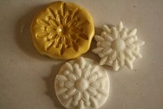 Silicone Mold for fondant medallions- cake or cupcake decorating, chocolate, hard candy, polymer clay, resin, wax, soap, silicone mould by ACakeToRemember on Etsy https://www.etsy.com/listing/87687847/silicone-mold-for-fondant-medallions