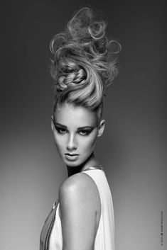 Fotograf: Amine Frigui Make-up: Amina Sghairi H Haare: Nadia Abouwaked Agen Creative Hairstyles, Up Hairstyles, Crazy Hair, Big Hair, Peinado Updo, High Fashion Hair, Editorial Hair, Beauty Editorial, Extreme Hair