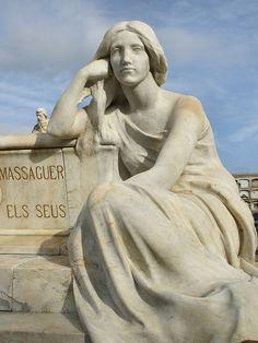Escultura de Josep Llimona  Cementiri  Arenys  Sinera