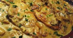 Χοιρινές μπριζόλες στο τηγάνι..!!!Είναι μούρλια ,είναι τρέλα !!!!! Υλικά 3 μπριζόλες 1 κρεμμύδι 1 σκελ σκόρδο 1 κουτ μανιτάρια 1 ποτ του ... Greek Quotes, Meat, Chicken, Recipes, Food, Cooking, Recipies, Essen, Meals
