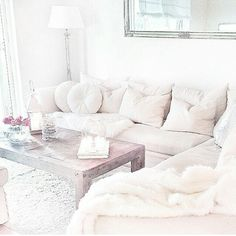 Absolutely beautiful perfect cosy room,love it !!! #decor #beautiful #love