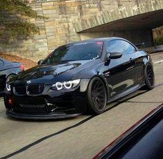 BMW E92 M3 black slammed
