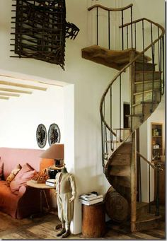 From A house in the Belgium countryside, home of antique dealers and interior designers, Alain and Brigitte Garnier, that typifies the trendy Belgian look.  Cote de Texas blog