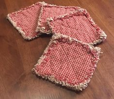 Primitive Rag Coasters set of 4 Farmhouse Coasters image 4 Quilted Coasters, Fabric Coasters, Batik Quilts, Rag Quilt, Diy Sewing Projects, Sewing Projects For Beginners, Sewing Tips, Sewing Ideas, Antique Quilts