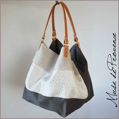 sac-cabas-tissu-cuir - Wood Wordkings My Site Diy Handbag, Recycle Jeans, Purses And Bags, Sewing Projects, Handbags, Pattern, Images, Makeup Bags, Tote Bags