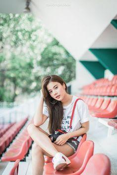Beautiful Japanese Girl, Simply Beautiful, Ulzzang Couple, Ulzzang Girl, Cute Asian Girls, Cute Girls, Asian Street Style, Pretty Face, Girl Pictures
