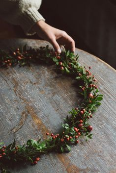 From Babes in Boyland – Gemütliche Weihnachten – Wreaths Christmas Mood, Rustic Christmas, All Things Christmas, Christmas Wreaths, Christmas Decorations, Simple Christmas, Christmas Medley, Merry Christmas, Most Beautiful Gardens