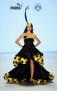 ffa0ea1d0d34 Guido Maria Kretschmer  Runway - Mercedes-Benz Fashion Week Spring Summer I  need to subtitle this one,