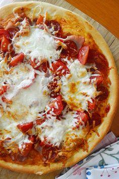 A legfinomabb pizza alaptészta - habkönnyű, pihe-puha, hólyagos Hawaiian Pizza, Vegetable Pizza, Baking, Vegetables, Food, Addiction, Bakken, Essen, Vegetable Recipes