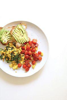 10. Turmeric Tofu Scramble #healthy #quick #recipes http://greatist.com/health/52-healthy-meals-12-minutes-or-less