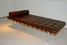 An exact replica of the Mies van der Rohe Barcelona couch, this pretty edible delight was displayed at the Haunch of Venison food art event in New York City. And now you can have your chocolate cake couch, and eat it too. Chocolate Couch, Chocolate Art, Chocolate Lovers, Chocolate Design, Bed Cake, Cool Couches, Chocolate Sculptures, Cake Day, Chocolate Cupcakes