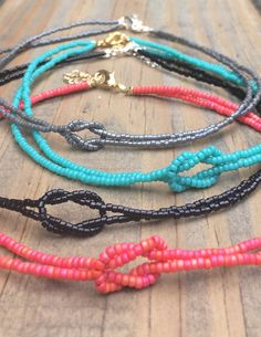 Friendship Embroidery Bracelets Beaded choker with lobster clasp and extender - Beaded choker with lobster clasp and extender Seed Bead Necklace, Seed Bead Bracelets, Seed Bead Jewelry, Diy Necklace, Friendship Bracelets, Beaded Jewelry, Handmade Jewelry, Jewelry Necklaces, Silver Bracelets