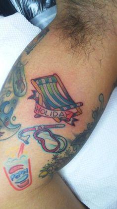 #TROPICAL #TATTOO #BLEACH CHAIR #YOKOHAMA #SLAPSTICK TATTOO Tropical Tattoo, Yokohama, Fish Tattoos, Bleach, Watercolor Tattoo, Chair, Watercolour Tattoos, Watercolor Tattoos, Chairs