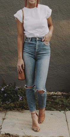 white tee + high rise distressed skinny jeans | outfit ideas #ootd
