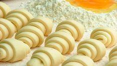 Știați că brânza de vaci își păstrează proprietățile chiar și după ce este gătită la cuptor?! Brânza este un mic dejun sau o cină perfectă în combinație cu dulceață, smântână, frișcă, lapte, fructe, pomușoare, însă noi vă propunem câteva rețete dietetice din aluat pe bază de brânză! Acesta iese fin, moale și poate fi folosit pentru gătirea diverselor delicii de patiserie! Aluat din brânză pentru rulade După aceată rețetă puteți coace rulade rumene și frumoase, toți vor fi încântați…