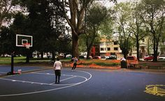@jastape86... Tuesday evening hoops in Golden Gate Park 🏀🍂 @fausek178... Those courts look nice! This that the panhandle?! @jastape86... yea man, the Warriors paid for a remodel of all three courts in the Panhandle in Nate's name. Super lucky that the rain kept peeps away, it's really nice.