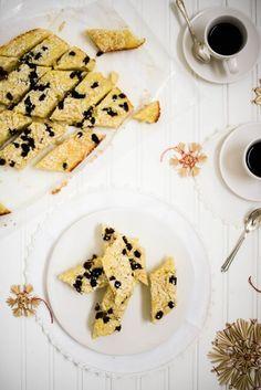 Mor Monsen Kake - A Classic Norwegian Cake for Christmastime | Outside Oslo