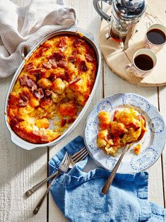 Breakfast And Brunch, Tater Tot Breakfast, Baked Breakfast Recipes, Make Ahead Breakfast, Breakfast Bake, Breakfast Dishes, Breakfast Casserole, Brunch Recipes, Breakfast Ideas
