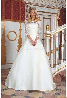Wedding Dresses Higar Novias 5500 2013 Wedding Bells, Wedding Gowns, Wedding Day, Pretty Flower Girl Dresses, Iconic Dresses, Plus Size Wedding, Marie, High Fashion, Hair Makeup